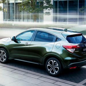 Honda-Vezel-Hybrid-2014-Design-Interior-Exterior-Car-17